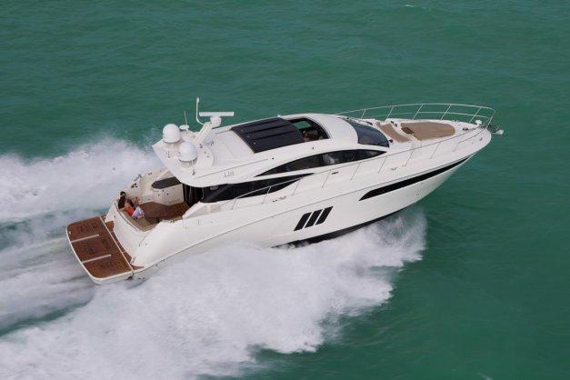 MarineMax Dallas Debuts New Sea Ray L590