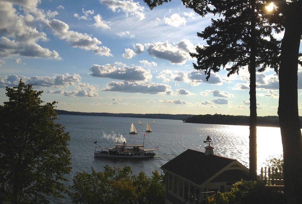 Geneva Lake, Wis.: Newport of the West